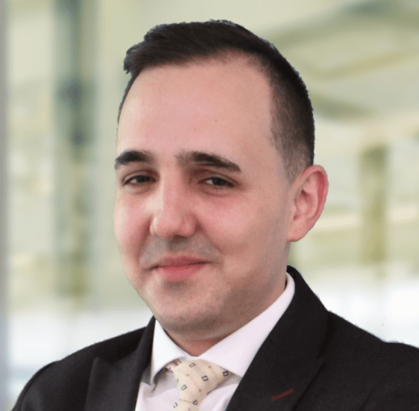 Interview mit Roman Tomic, Mitarbeitender im Bereich «Partnerships, Foundations & Acquisitions», Credit Suisse